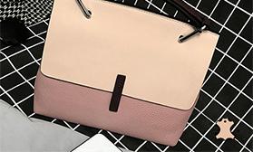 Новинки кожаных сумок от ESSARLIL!